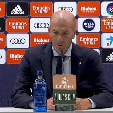 "Zidane : ""Sergio Ramos doit prendre sa retraite ici"""