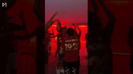 Les joueurs de Liverpool célèbrent leur titre de champion