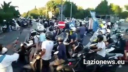 I tifosi scortano la Lazio fino all'Olimpico