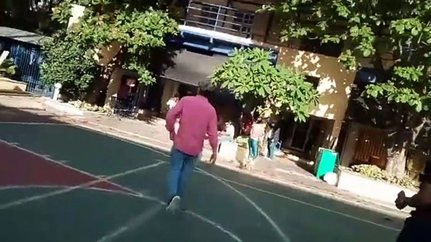 Luis Abinader acude a votar al colegio Babeque