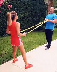 نوال الزغبي تمارس التمرينات الرياضية في منزلها