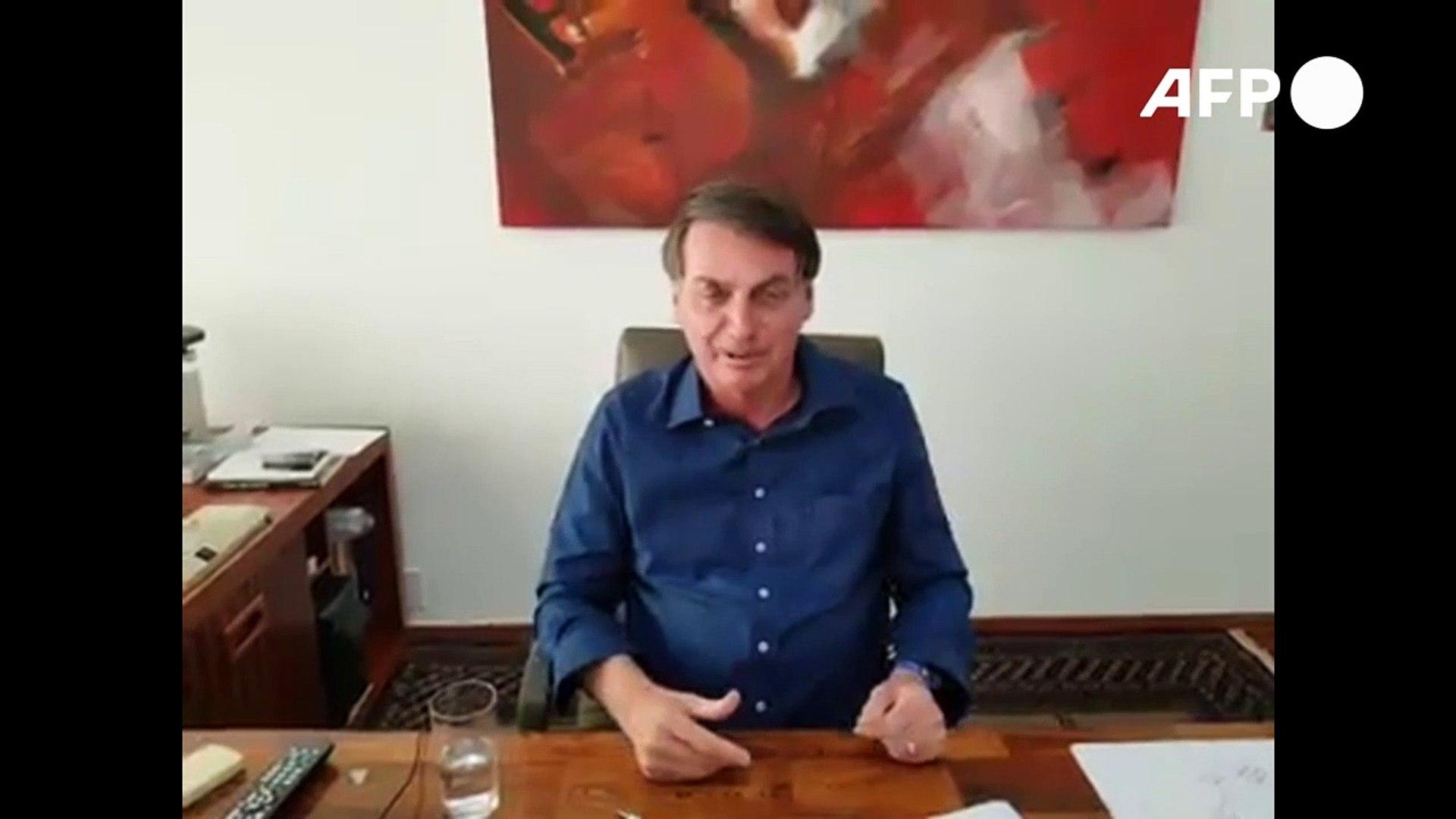 Bolsonaro toma hidroxicloroquina