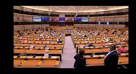 Puigdemont s'adreça a Angela Merkel en el Parlament Europeu