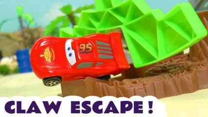 Hot Wheels Claw Racing Challenge with Marvel Avengers and DC Comics Superheroes with Disney Cars Lightning McQueen and the Funny Funlings in this Family Friendly Full Episode English Toy Story for Kids
