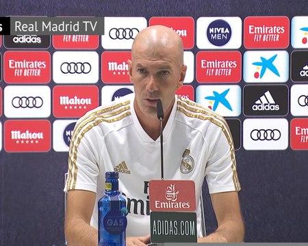 """35e j. - Zidane : """"Il reste quatre matches de pure folie"""""""