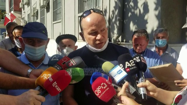 Protestë para prokurorisë/ Banorët në Durrës: Pallati ynë i pasigurt