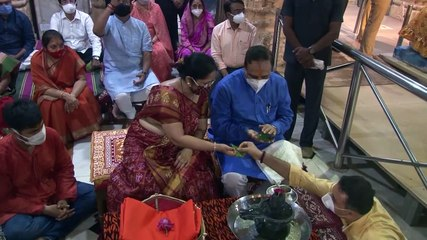 VIJAY RUPANI OFFER PRAYERS AT SOMNATH TEMPLE WITH HIS FAMILY