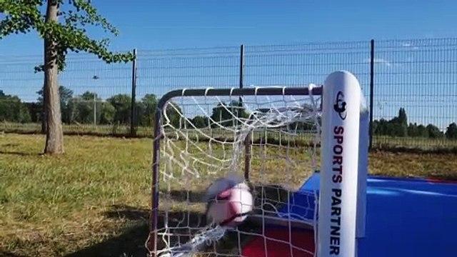 Terrain de foot signé « Module Carré » !