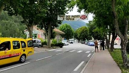 Deux camions-bennes des Alpes d'Azur carburent au plastique