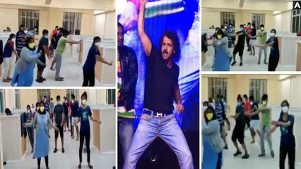 #Watch COVID Asymptomatic Patients Flash Mob| Pune Girl Grand Welcome to Sister- Videos Viral