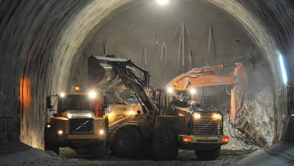 Himalayas மலையை குடைந்து Ladakh To kashmir இடையே  Mega Tunnels அமைக்கும் India