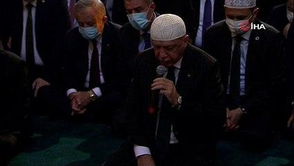 Cumhurbaşkanı Erdoğan'dan Ayasofya'da Kur'an-ı Kerim tilaveti
