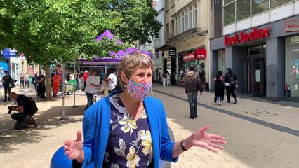 Bristol shoppers given free masks!