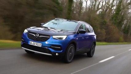 EL nuevo Opel Grandland X Híbrido con Rocío Jurado Torres