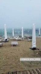 Grandine sulla spiaggia a Porto Cesareo