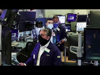 Wall St. dragged lower by pandemic, earnings