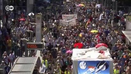 Германия в шоке: тысячи демонстрантов в Берлине проигнорировали коронавирус (03.08.2020)