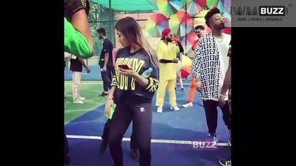 Watch Now Neha Kakkar's HOT Dance Moves