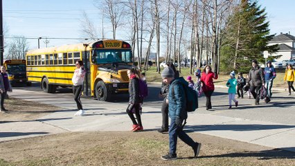 Feds issue guidance on reopening schools