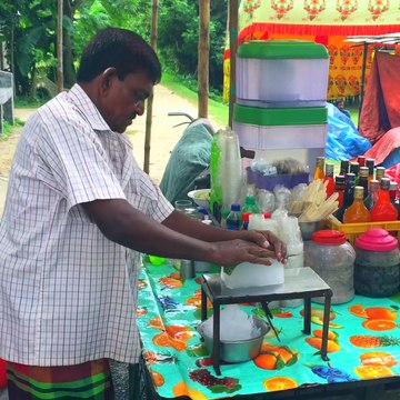 Crushed Ice Lollipop | Indian Street Desserts | How to make Ice Gola | বরফ গোলা