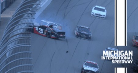 Restart to caution at Michigan pushes race to NASCAR Overtime