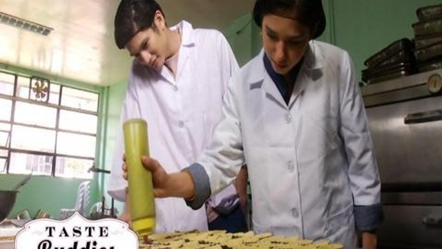 Taste Buddies: Angel Guardian and Gil Cuerva try to make strawberry jams and tarts!
