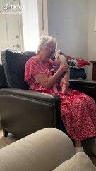 Torununu kucağına aldığında mutluluk gözyaşlarına hakim olamayan büyükanne