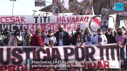 Marchan en La Plata por César Navarro