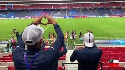 La célébration des Parisiens qui se qualifient en demi finale de LDC !