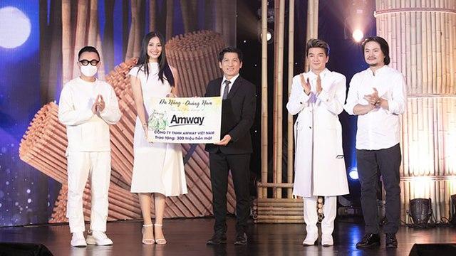 Nghệ sĩ Việt quyên góp gần 6 tỷ đồng ủng hộ tâm dịch