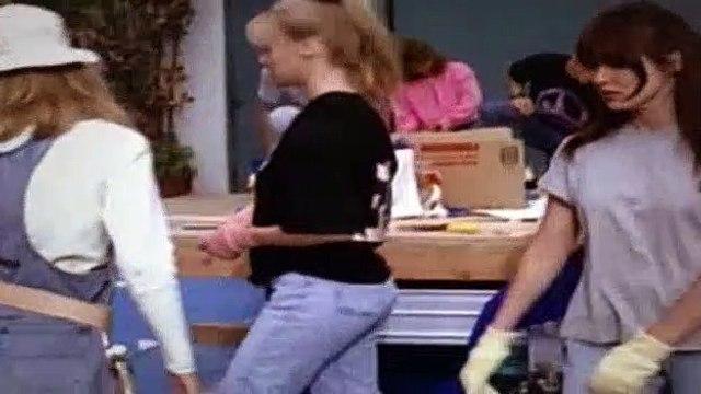 Beverly Hills BH90210 Season 2 Episode 16 - My Desperate Valentine