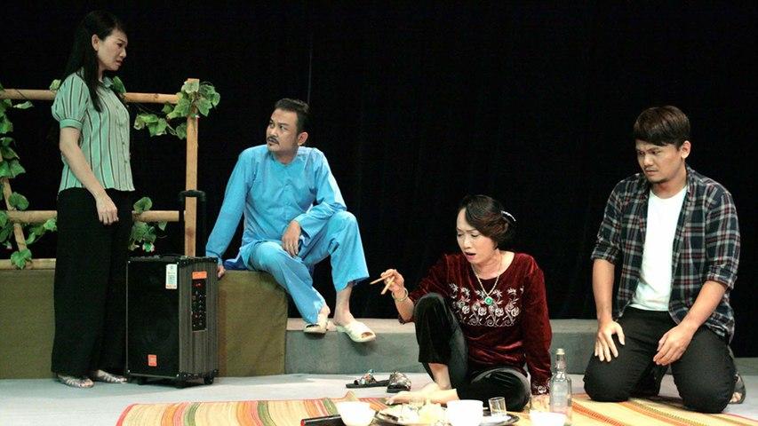 TPHCM: Sân khấu kịch vẫn sáng đèn mùa Covid-19   VTC   Godialy.com