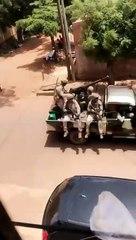 Mali - Plusieurs pick-up militaires en mouvement vers Darsalam