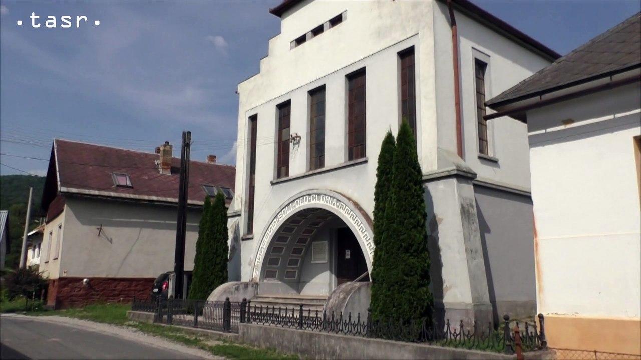 Kostol v Magnezitovciach je na Gemeri neobvyklý modernistickou architektúrou