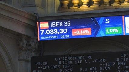 El Ibex 35 abre el miércoles con caídas leves del 0,14 % y pone en peligro los 7.000 puntos