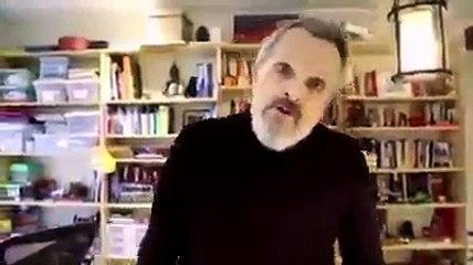 Un nuevo esperpento de Miguel Bosé arrasa en la Red: es tan nefasto que parece un imitador