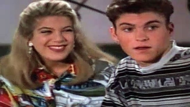 Beverly Hills BH90210 Season 2 Episode 26 - Things To Do On A Rainy Day