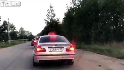 Un chauffeur de Taxi vire son client parce qu'il a jeté une bouteille par la fenêtre