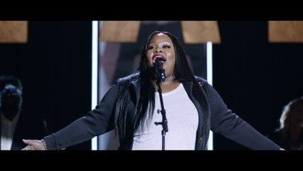 Tasha Cobbs Leonard - Pour It Out