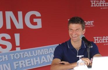 aktuelle Fußballfragen: Thomas Müller Interview bei Möbel Höffner am 27.08.2020
