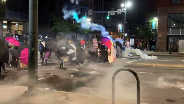 Unrest in US | Police disperse crowd of Daniel Prude protesters in Rochester