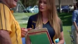 Modern Family S10E07 Did the Chicken Cross the Roa