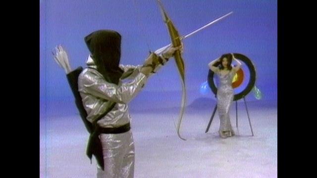 Markworth & Mayana - Blindfolded Archery