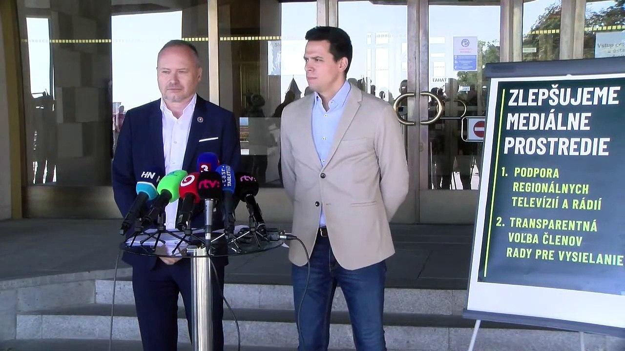 ZÁZNAM: TK poslanca Národnej rady SR za OĽANO Kristiána Čekovského a poslanca NR SR za SaS Romana Foltina