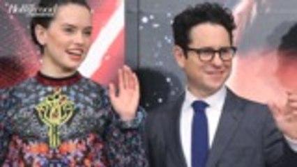 Daisy Ridley on Original Rey Kenobi Plot in 'Star Wars' | THR News