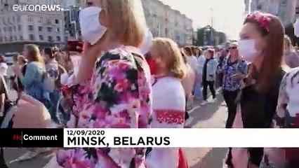 شاهد: مظاهرة نسائية في العاصمة البيلاروسية مينسك والشرطة تتعامل بعنف مع المتظاهرات