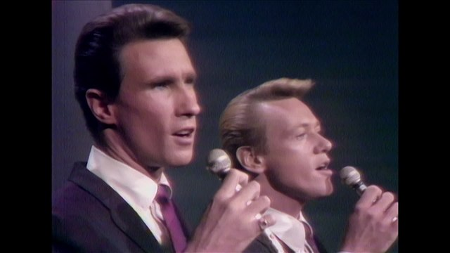 The Righteous Brothers - You'll Never Walk Alone