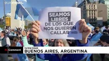 شاهد: احتجاجات واسعة ضد إجراءات الحجر الصحي وقضايا الفساد في الأرجنتين