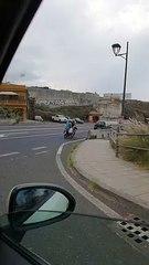 Tres personas en una moto en Los Realejos