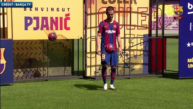 La série de jongles très réussie de Miralem Pjanic lors de sa présentation au FC Barcelone